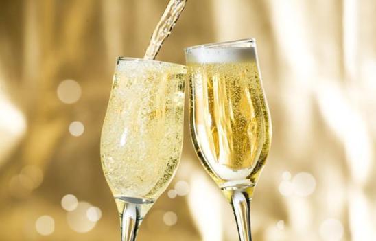 Champagne-Celebrate-Celebration-700x450